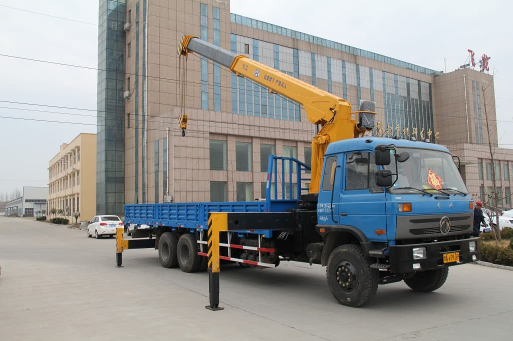 What Are The Different Types Of Cranes : Different types of truck mounted crane symmen