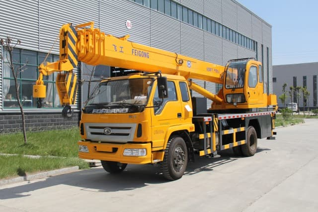 Types Of Mobile Cranes : Six types of cranes and crane parts symmen